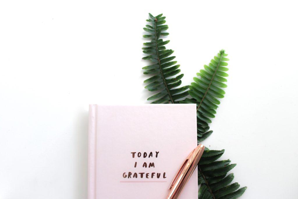 Ways to practice gratitude using journaling